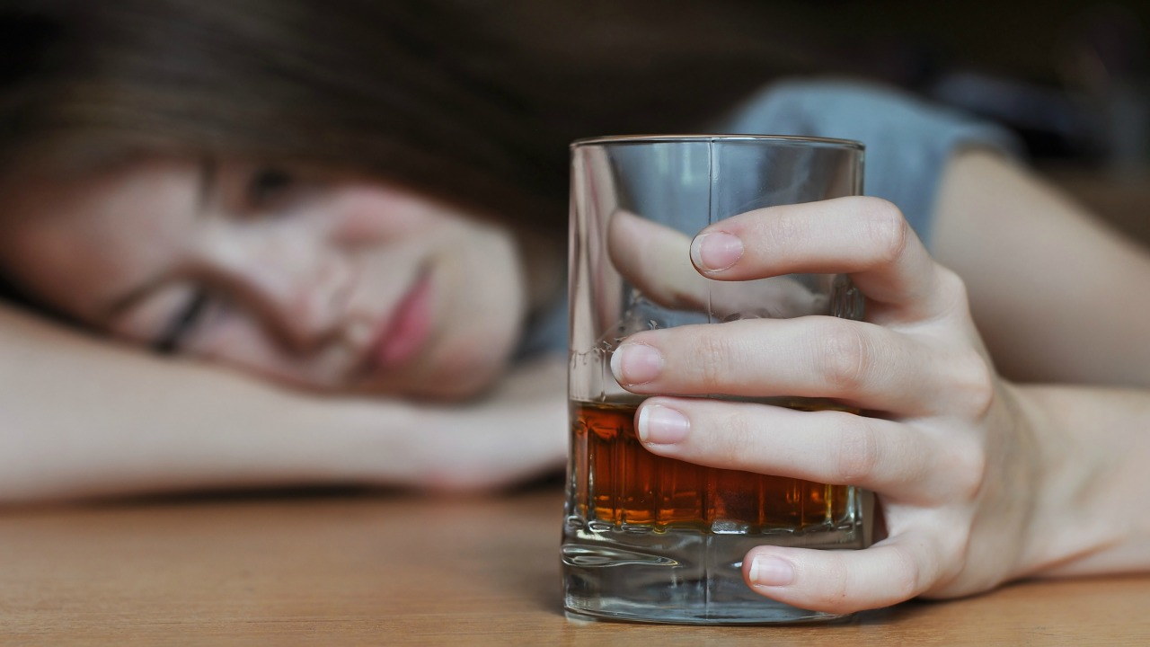 What to do When Alcoholism Symptoms Cause Family Dysfunction